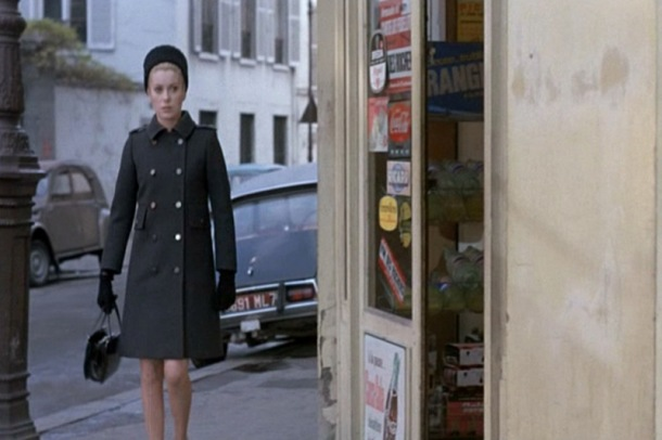 Catherine-Deneuve_Belle-de-Jour_grey-coat-street.bmp