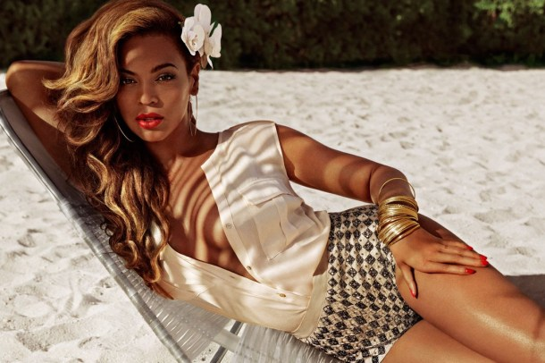 beyonce-hm-08_vogue_12apr13_b_1080x720