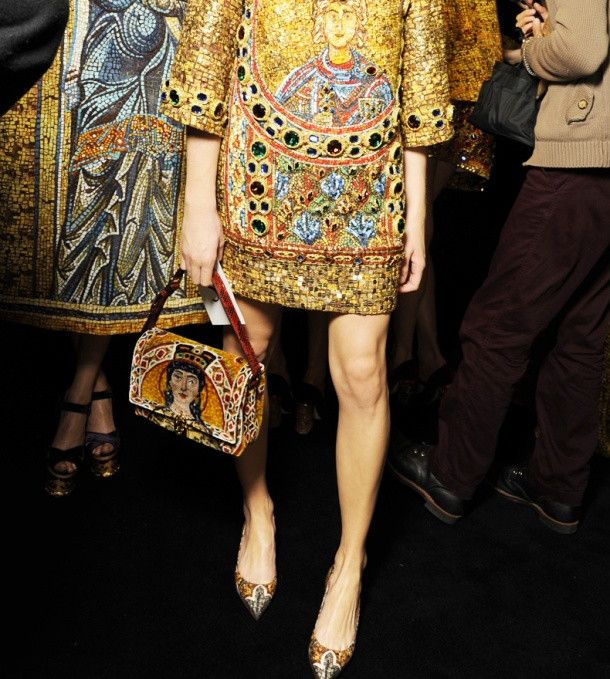 dolce-and-gabbana-fw-2014-mosaic-women-collection-the-handbags-velvet-icon-dolce-bag-2