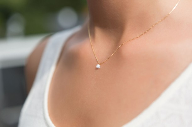 Lueur Nude Diamond Necklace - Model 1