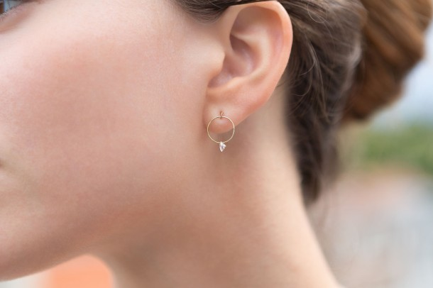 Shamal Nude Diamond Earrings - Model 1